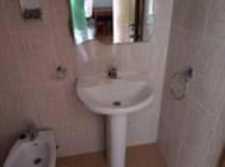 Piso en venta en Piso en Mondéjar, Guadalajara, 45.000 €, 1 habitación, 1 baño, 53 m2