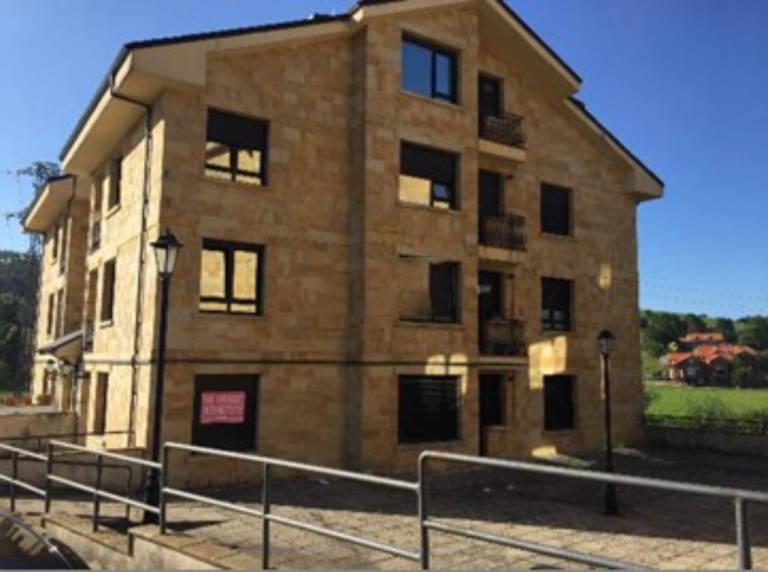 Piso en venta en Hazas de Cesto, Cantabria, Calle Barrio Meson Urb Campiezo, 68.300 €, 2 habitaciones, 2 baños, 80 m2