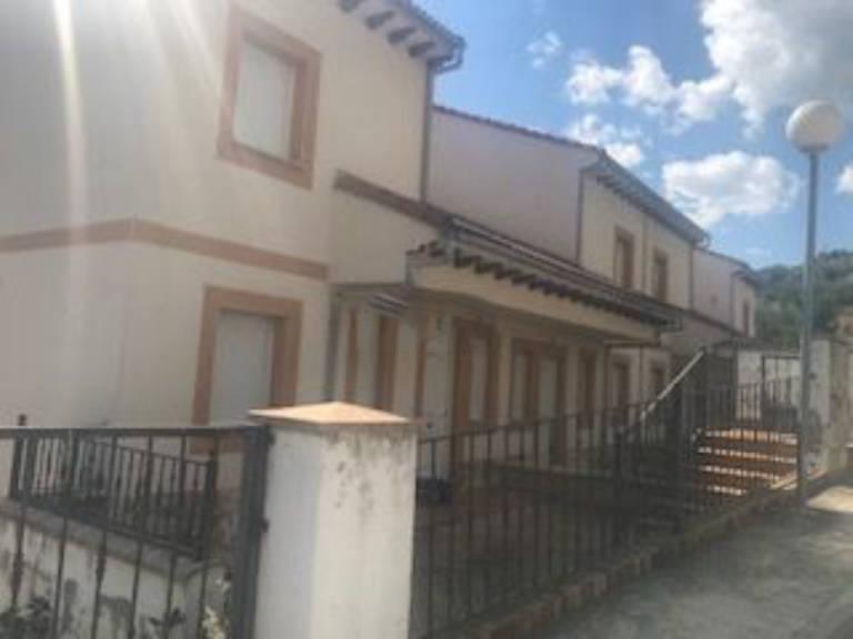 Casa en venta en Arenas de San Pedro, Ávila, Calle Corteceros, 88.100 €, 3 habitaciones, 3 baños, 139 m2