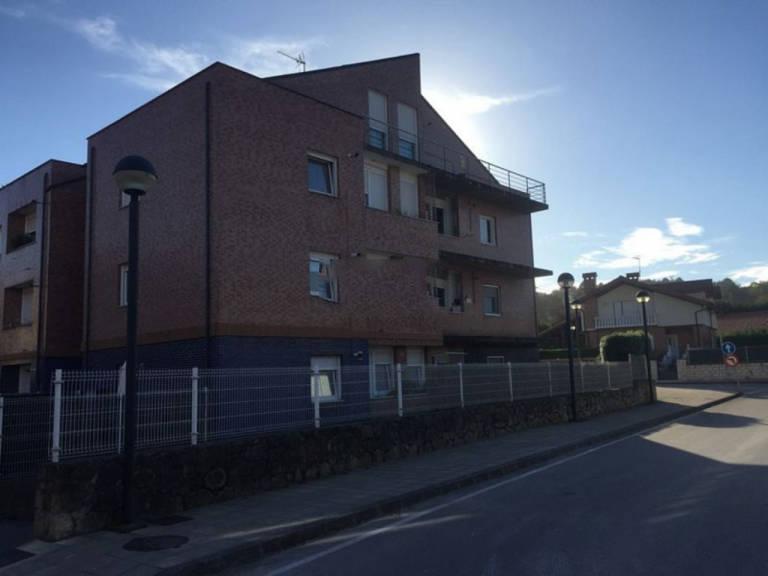 Piso en venta en Esquibien, Miengo, Cantabria, Calle El Limonar, 81.000 €, 2 habitaciones, 1 baño, 60,63 m2
