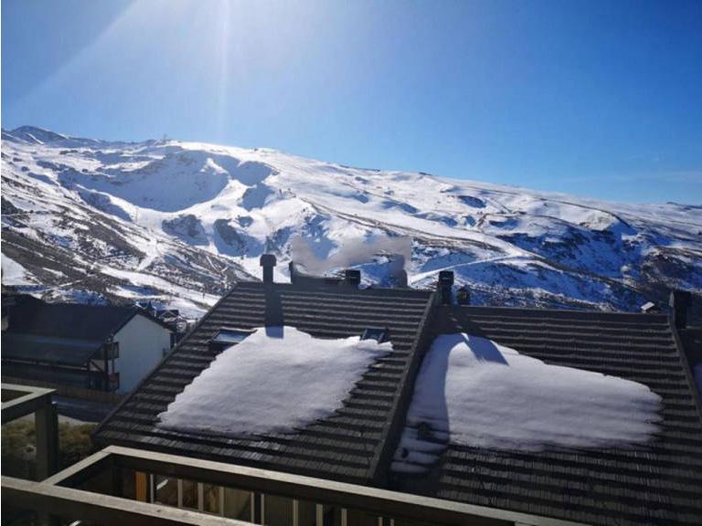 Piso en venta en Monachil, Granada, Urbanización Solynieve, 137.000 €, 2 habitaciones, 2 baños, 79 m2