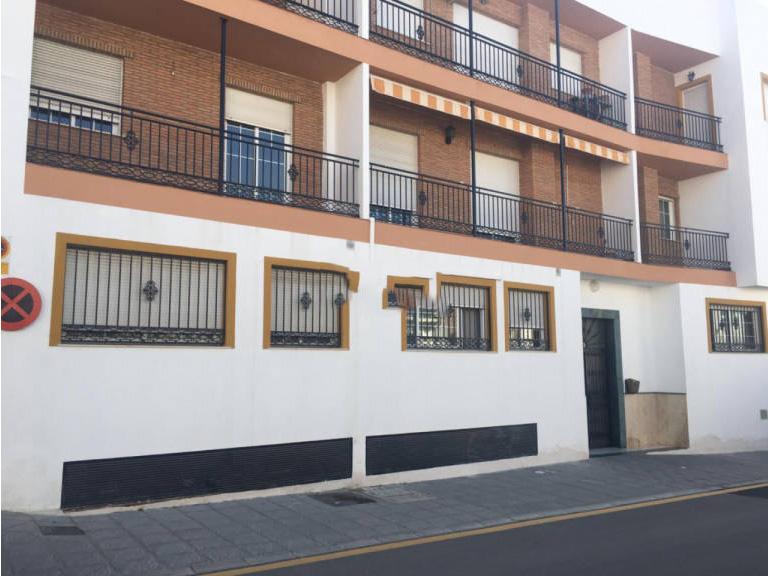 Piso en venta en Gójar, Granada, Calle Carmen Morcillo, 91.200 €, 2 habitaciones, 2 baños, 111,71 m2