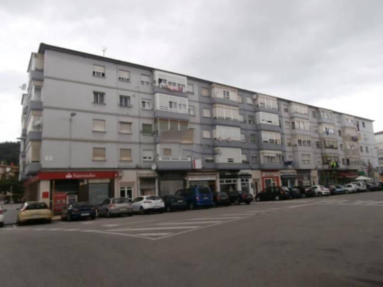 Piso en venta en Barrio Covadonga, Torrelavega, Cantabria, Calle Rio Ebro, 45.200 €, 3 habitaciones, 1 baño, 60,35 m2