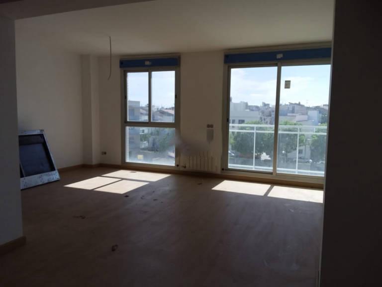 Piso en venta en Vilanova I la Geltrú, Barcelona, Calle Rambla Sant Jordi, 95.000 €, 2 habitaciones, 2 baños, 90 m2