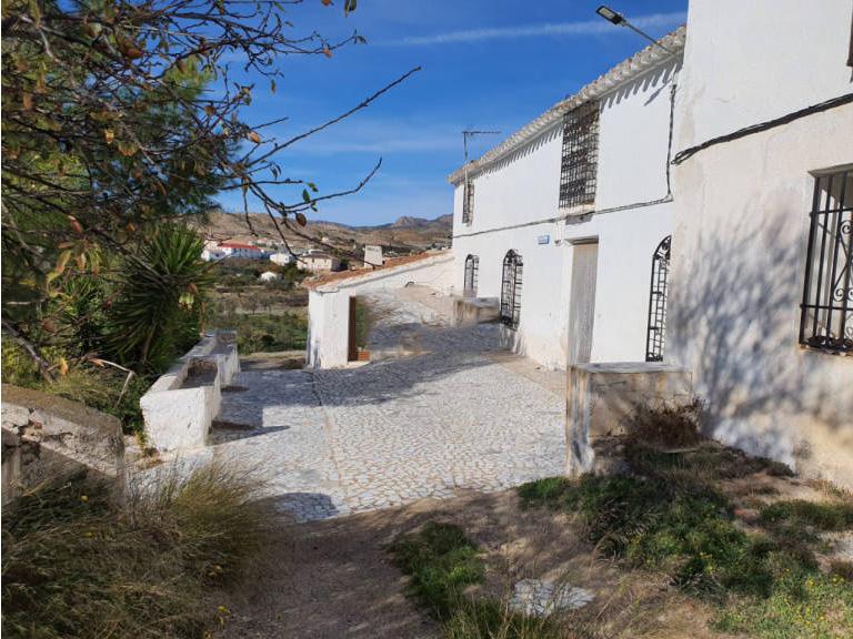 Piso en venta en Albox, Almería, Barrio los Faraones, 32.000 €, 4 habitaciones, 1 baño, 220 m2