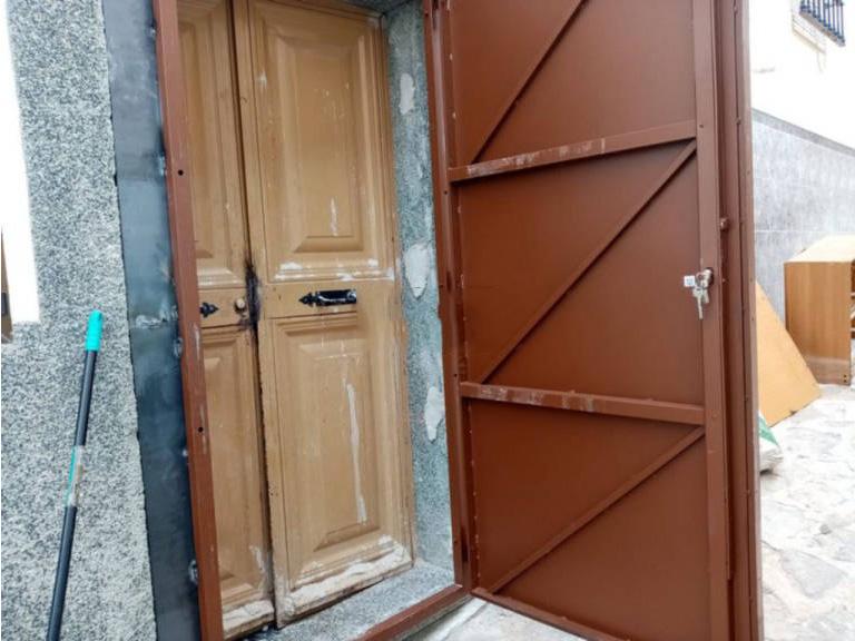 Casa en venta en Baena, Córdoba, Calle Benito Lastres, 30.000 €, 2 habitaciones, 2 baños, 108 m2
