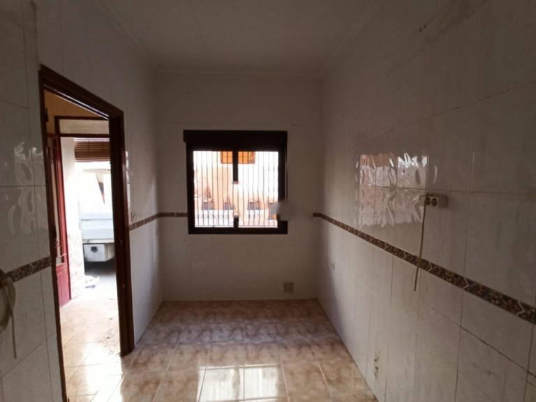 Casa en venta en Alcázar de San Juan, Ciudad Real, Calle Cerrada, 33.500 €, 2 habitaciones, 1 baño, 59,81 m2