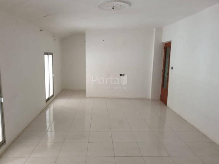 Piso en venta en Valdetorres, Badajoz, Calle Hernan Cortes, 66.000 €, 3 habitaciones, 2 baños, 220 m2