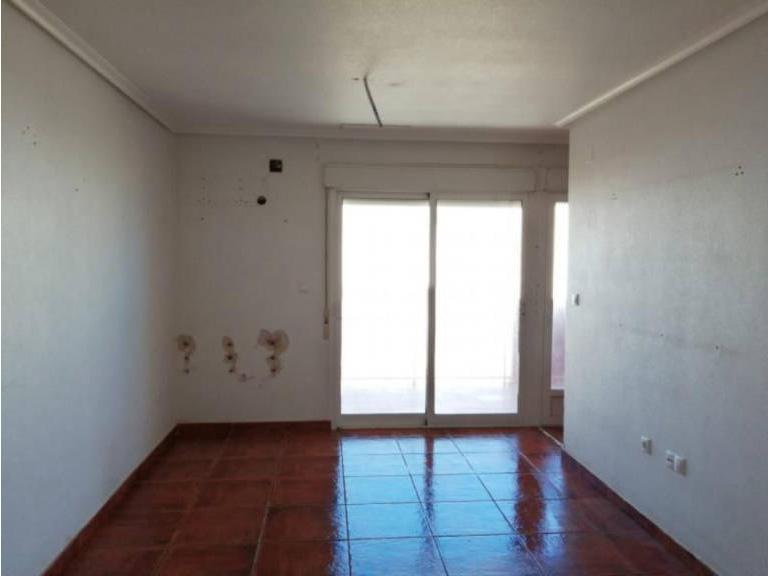 Piso en venta en Distrito Bellavista-la Palmera, Almoradí, Alicante, Avenida Orihuela, 59.000 €, 2 habitaciones, 2 baños, 74 m2