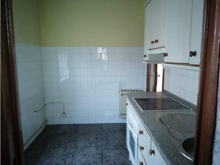 Piso en venta en Pinellas Park, Ávila, Ávila, Calle Don Rufino Martin, 57.900 €, 3 habitaciones, 1 baño, 73 m2