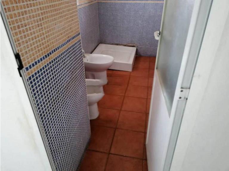 Piso en venta en Badajoz, Badajoz, Calle San Aton, 65.000 €, 2 habitaciones, 1 baño, 87,84 m2