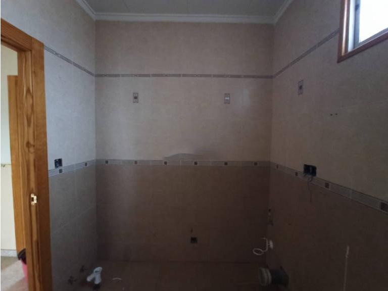 Piso en venta en Alcázar de San Juan, Ciudad Real, Calle Alces, 57.000 €, 3 habitaciones, 1 baño, 108 m2