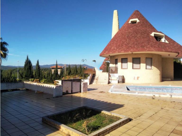 Casa en venta en L` Alcora, Castellón, Calle los Olivos, 260.000 €, 7 habitaciones, 3 baños, 945 m2