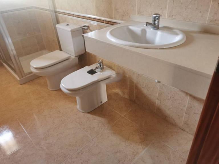 Piso en venta en Piso en Barbastro, Huesca, 70.500 €, 1 habitación, 1 baño, 82 m2