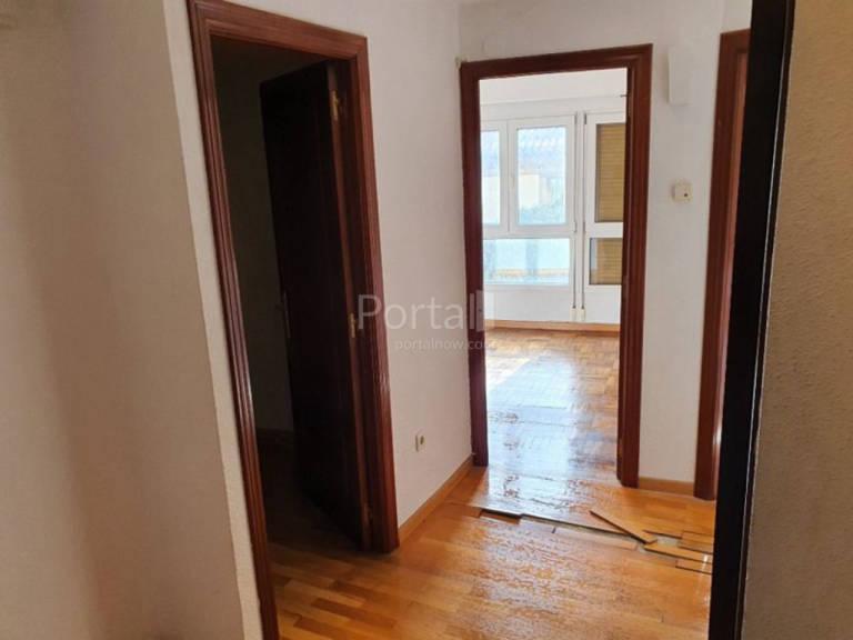 Piso en venta en Distrito Centro, Gijón, Asturias, Calle Rosario, 72.000 €, 2 habitaciones, 1 baño, 61 m2