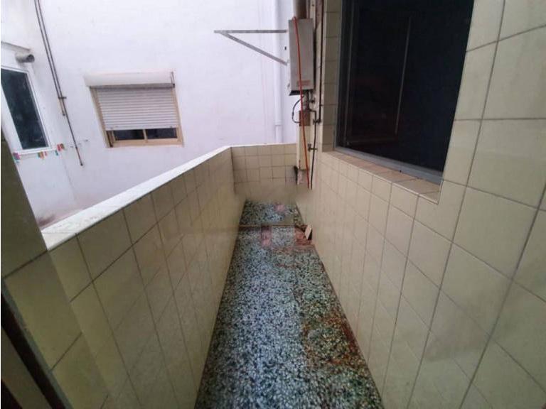 Piso en venta en Piso en Alicante/alacant, Alicante, 87.500 €, 3 habitaciones, 2 baños, 105 m2