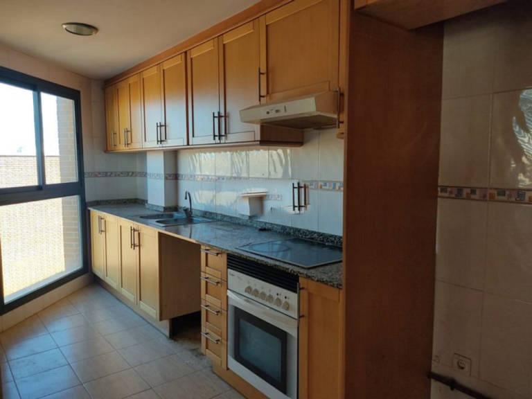 Piso en venta en Piso en Bonrepòs I Mirambell, Valencia, 105.800 €, 2 habitaciones, 2 baños, 83 m2