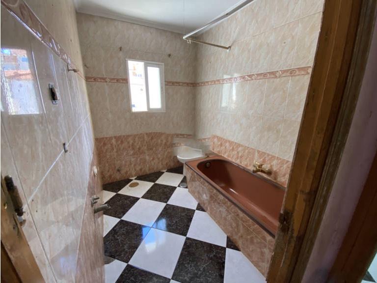 Piso en venta en San Pablo, Albacete, Albacete, Calle Agustina de Aragon, 69.000 €, 4 habitaciones, 2 baños, 105 m2