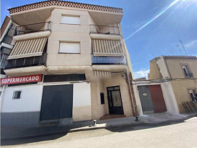 Piso en venta en Villarrobledo, Villarrobledo, Albacete, Calle Cruz de Malta, 76.000 €, 4 habitaciones, 2 baños, 126 m2