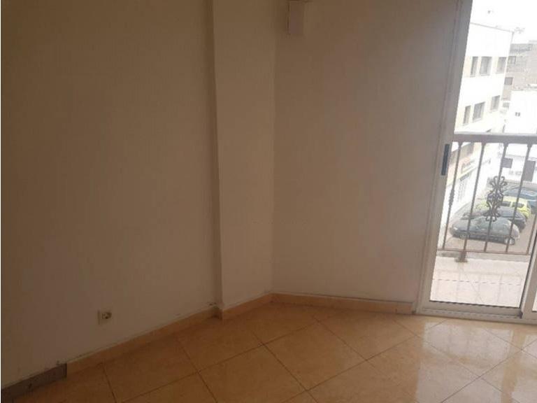 Piso en venta en Arrecife Centro, Arrecife, Las Palmas, Calle Marineros Cruz del Mar, 93.000 €, 1 habitación, 1 baño, 72 m2