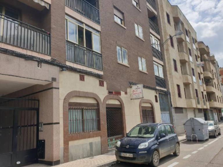 Local en venta en Delicias, Salamanca, Salamanca, Calle Espronceda, 99.800 €, 196 m2