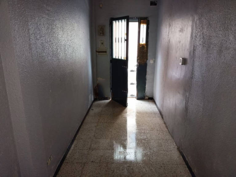 Casa en venta en Antonio Domínguez, Badajoz, Badajoz, Calle El Mimbrero, 89.000 €, 1 habitación, 1 baño, 134 m2