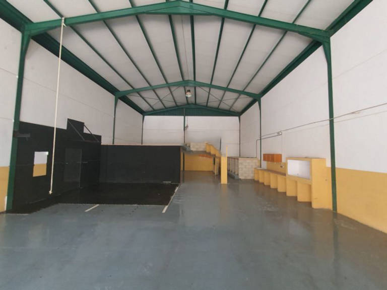 Industrial en venta en Urbanización  Tras la Casas, Espartinas, Sevilla, Calle Doctor Andres Gaviño, 114.000 €, 266 m2