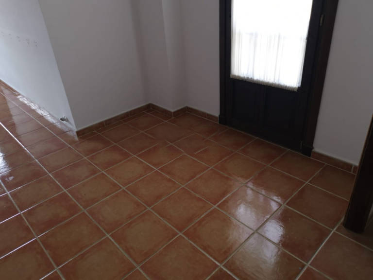Piso en venta en Jaca, Huesca, Calle San Cristobal Ag.badaguas, 121.000 €, 2 habitaciones, 2 baños, 79 m2