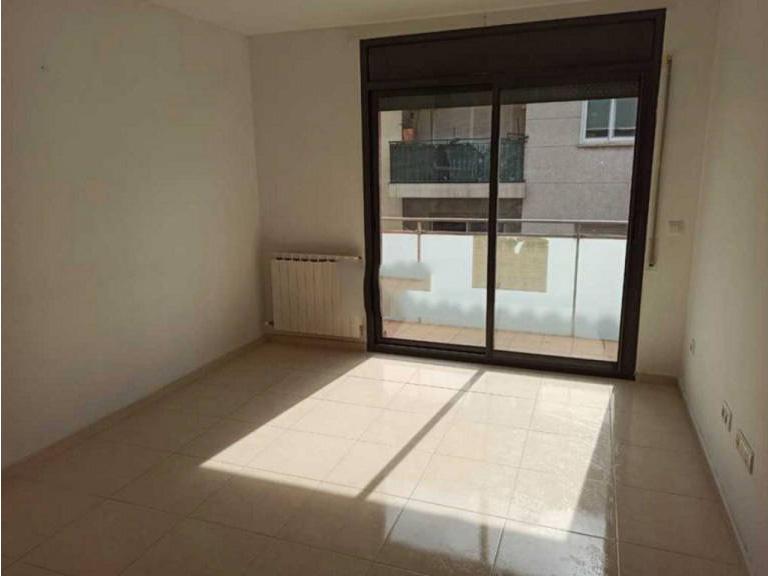 Piso en venta en Figueres, Girona, Calle Rocaberti, 98.000 €, 4 habitaciones, 2 baños, 78 m2