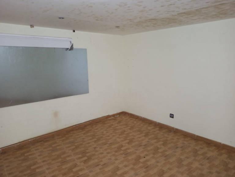 Piso en venta en Piso en Santa Bàrbara, Tarragona, 89.500 €, 3 habitaciones, 1 baño, 144 m2
