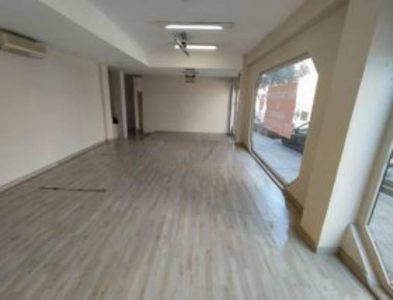 Local en venta en Puente de Vallecas, Madrid, Madrid, Calle Martínez de la Riva, 398.500 €, 309 m2