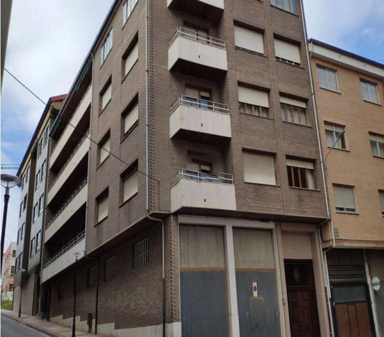 Piso en venta en Briviesca, Burgos, Calle Rafael Calleja, 92.000 €, 5 habitaciones, 2 baños, 111,94 m2