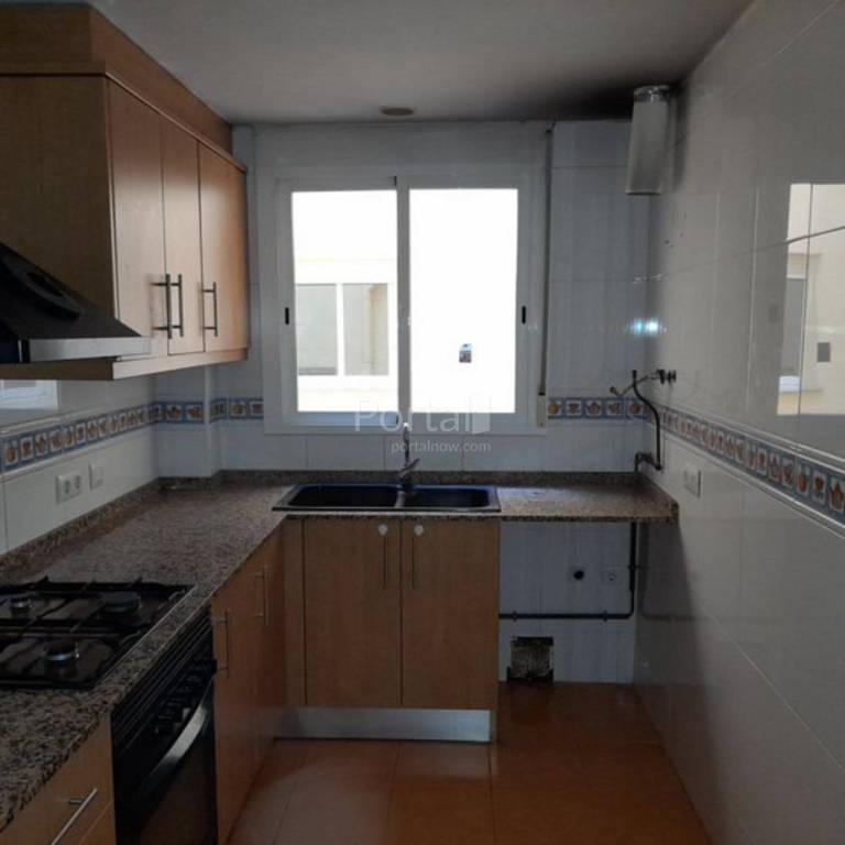 Piso en venta en El Punt del Cid, Almenara, Castellón, Calle Ponto, 81.000 €, 3 habitaciones, 2 baños, 130 m2