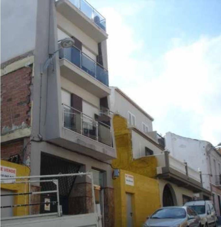 Piso en venta en Motril, Granada, Calle Monjas, 105.000 €, 2 habitaciones, 2 baños, 151 m2