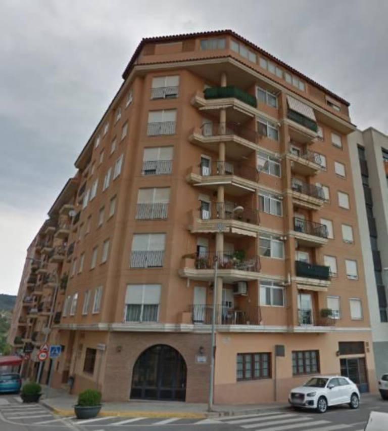 Piso en venta en Grupo San Cristóbal, L` Alcora, Castellón, Calle Dels Alcantarins, 76.000 €, 3 habitaciones, 2 baños, 96 m2