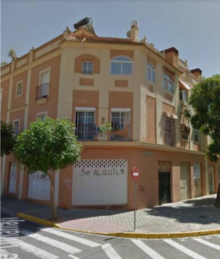 Local en venta en La Moneda, Dos Hermanas, Sevilla, Calle Albeniz, 247.000 €, 474 m2