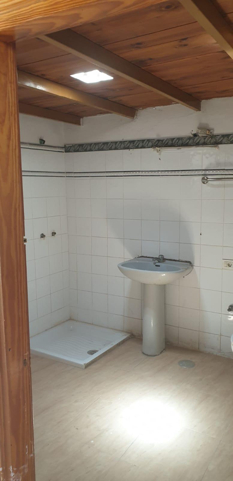 Piso en venta en Piso en Arrecife, Las Palmas, 138.000 €, 3 habitaciones, 2 baños, 85 m2