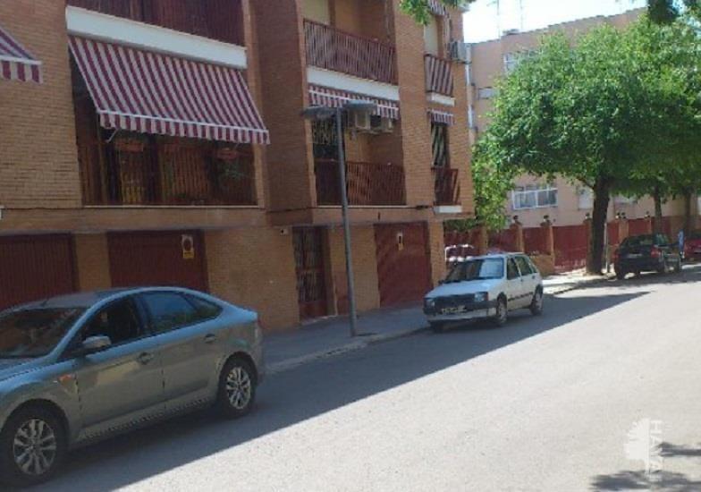 Piso en venta en Andújar, Jaén, Avenida Santo Reino, 56.000 €, 3 habitaciones, 1 baño, 112 m2