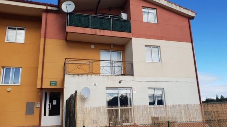 Piso en venta en Valdorros, Burgos, Calle Encinas, 49.000 €, 2 habitaciones, 1 baño, 80 m2