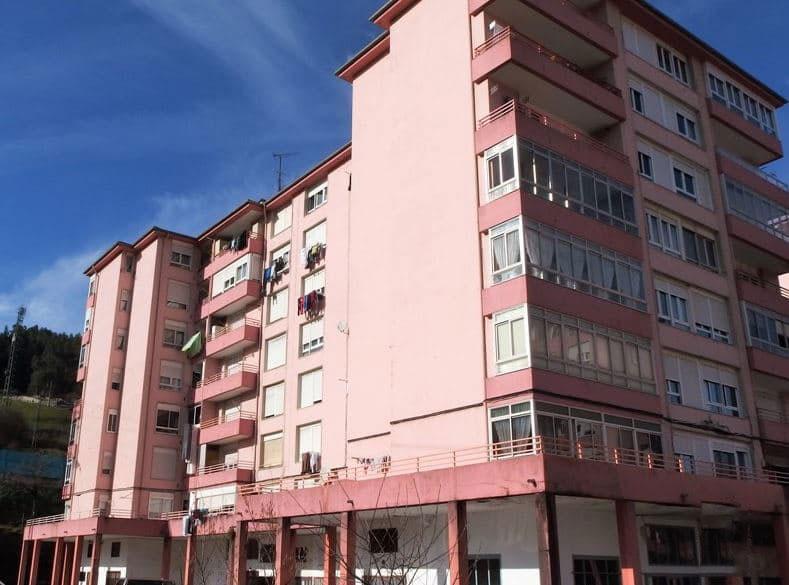 Piso en venta en Urbanización la Anjanas, los Corrales de Buelna, Cantabria, Calle Matias Montero, 58.750 €, 3 habitaciones, 1 baño, 93 m2