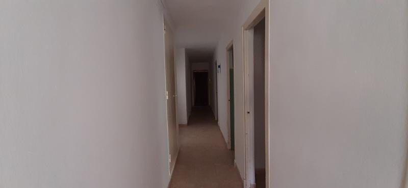 Piso en venta en Piso en Vinaròs, Castellón, 81.000 €, 3 habitaciones, 1 baño, 96 m2