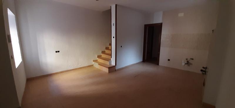 Piso en venta en Jaén, Jaén, Calle , 72.000 €, 3 habitaciones, 2 baños, 156 m2