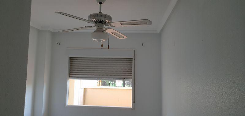 Piso en venta en Piso en Orihuela, Alicante, 90.000 €, 2 habitaciones, 2 baños, 75 m2