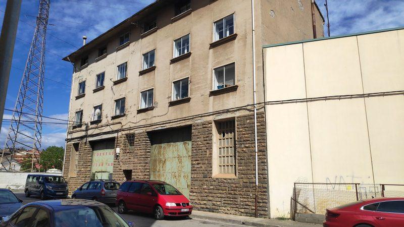 Piso en venta en Sabiñánigo, Huesca, Calle Camino de Aurin, 72.000 €, 4 habitaciones, 1 baño, 108 m2