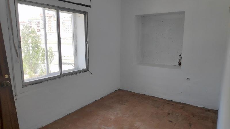 Piso en venta en Piso en Sabiñánigo, Huesca, 72.000 €, 4 habitaciones, 1 baño, 108 m2