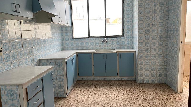 Piso en venta en Piso en Oliva, Valencia, 51.500 €, 4 habitaciones, 2 baños, 122 m2