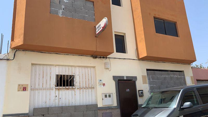 Piso en venta en La Goleta, Agüimes, Las Palmas, Calle del Pino, 101.000 €, 3 habitaciones, 1 baño, 134 m2