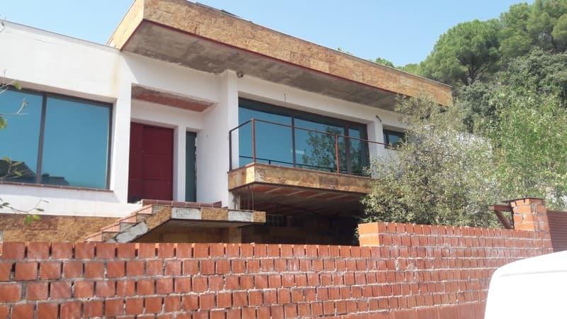 Casa en venta en La Adrada, la Adrada, Ávila, Calle Forestal, 179.000 €, 5 habitaciones, 3 baños, 344 m2