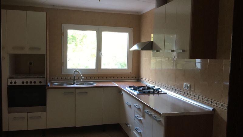 Piso en venta en Mas Pedrosa, Lloret de Mar, Girona, Calle Prats, 134.000 €, 4 habitaciones, 1 baño, 136 m2