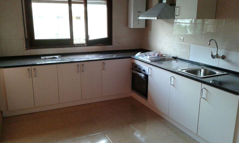 Piso en venta en Ripoll, Girona, Calle Cerdanya, 75.000 €, 3 habitaciones, 1 baño, 107 m2